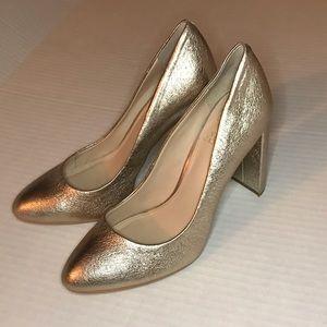 Vince Camuto gold metallic heels size 8.5